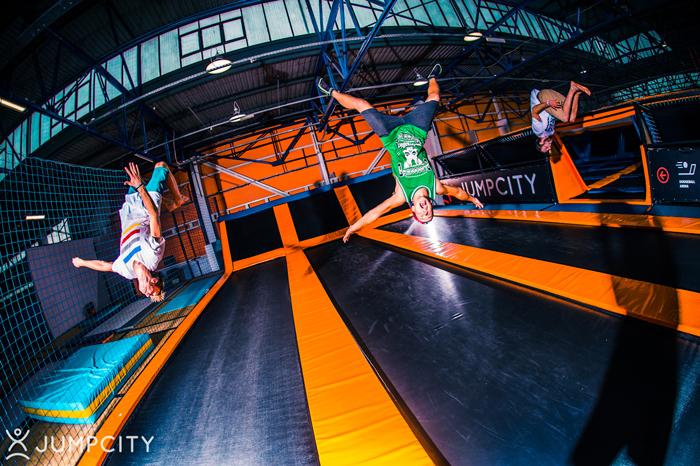 jumpcity gdynia pierwszy park trampolin  polsce